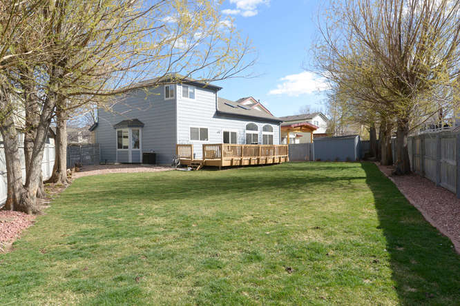 Large oversized lot in Westminster, home for sale with big backyard in cedar bridge