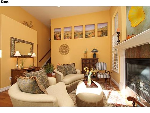 Townhome for sale in Lone Tree Highlands Ranch near Parkmeadows mall